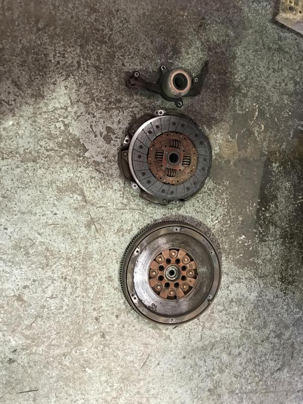 Image 11 - New clutch and flywheel