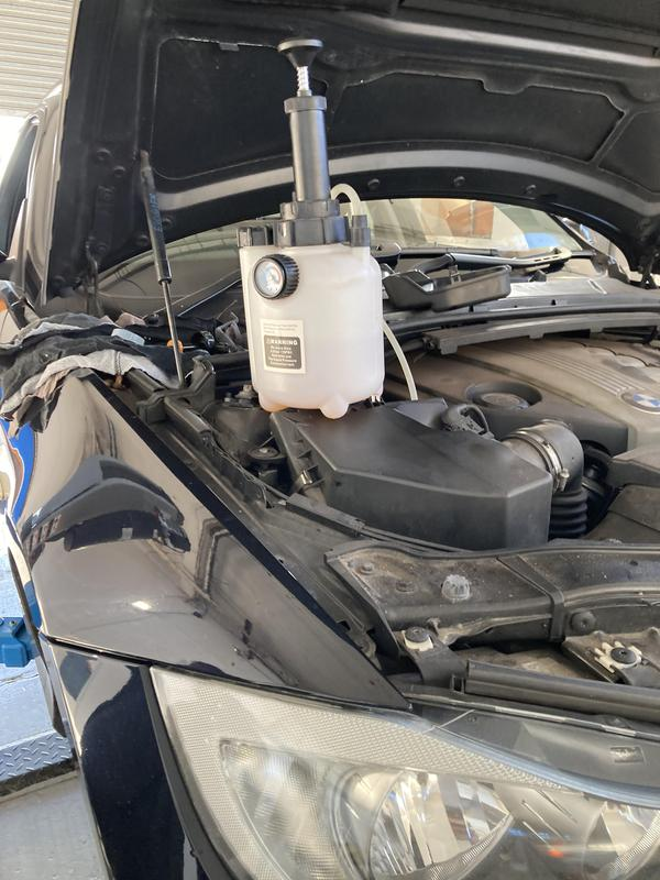 Image 30 - Brake fluid change